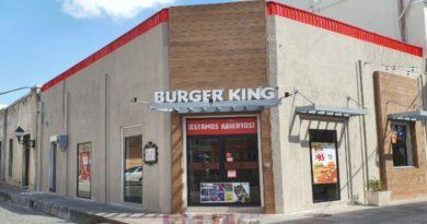 Burger King Celebra Apertura de Restaurante en El Conde esq. José Reyes