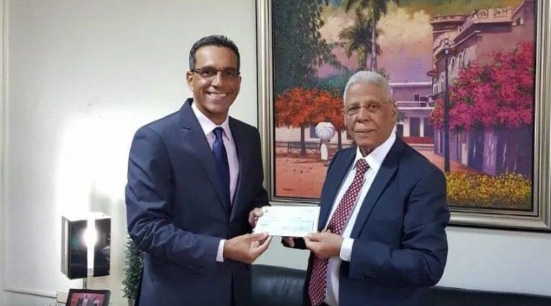 Gobierno entrega recursos para apertura comedores económicos en Cristóbal y Batey 6