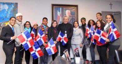 Estudiantes meritorios de la Regional 10 de SDE son reconocidos por Consulado Dominicano en New York