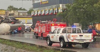 Sistema 9-1-1 desplegó 7 unidades de respuesta en accidente de la autopista Duarte; 3 personas resultaron con heridas leves