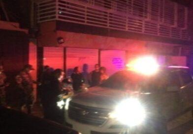 PN apresa a 98 por violar toque de queda y el no uso de las mascarillas en Santo Domingo Este