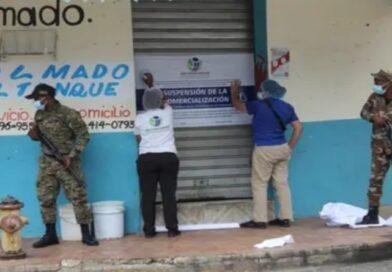 Pro Consumidor cierra colmados en SDE que reabrieron tras ser clausurados por vender bebidas adulteradas