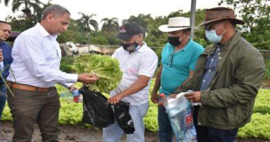 Regional Nordeste intercambia desechos plásticos por hortalizas
